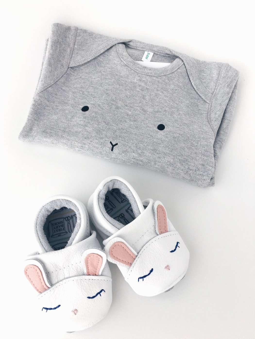 Bunny_schoenen_en_jumpsuit