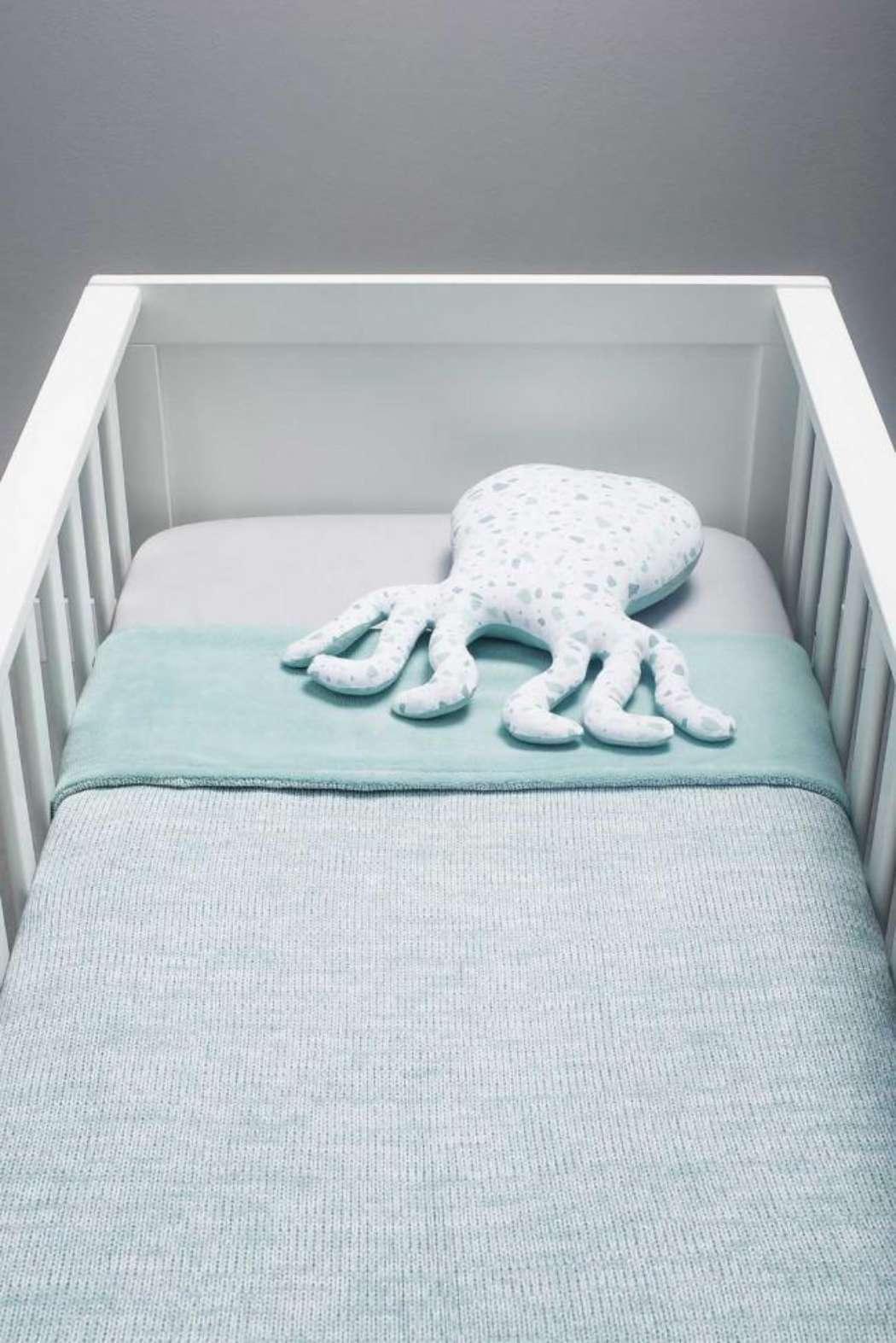 Knuffelkussen_octopus_Tiny_waffle_soft_green_2