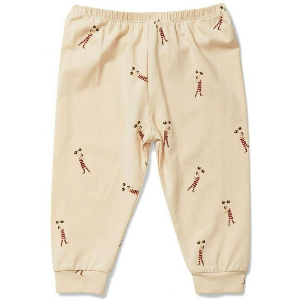 Basic pants strong man