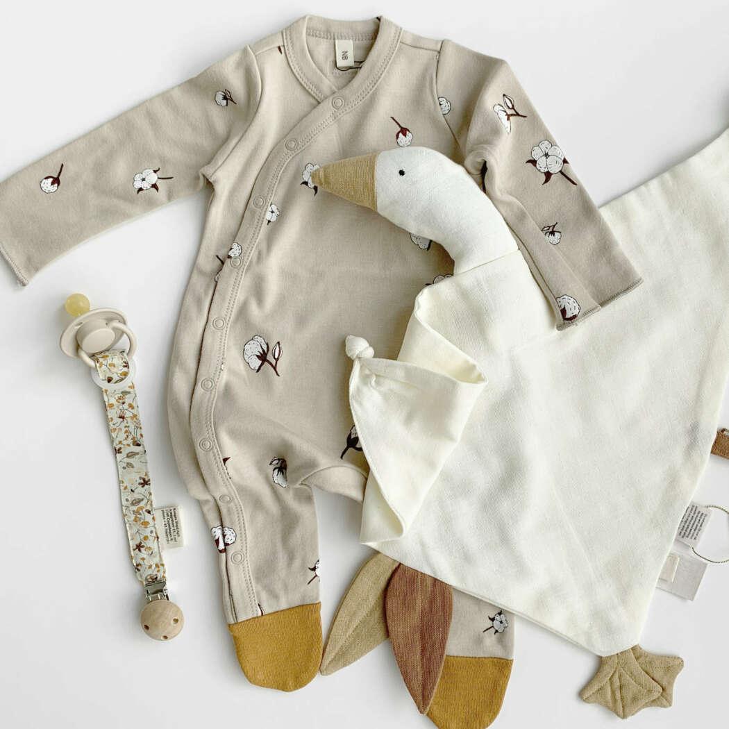 Cotton flower suit foto delphine