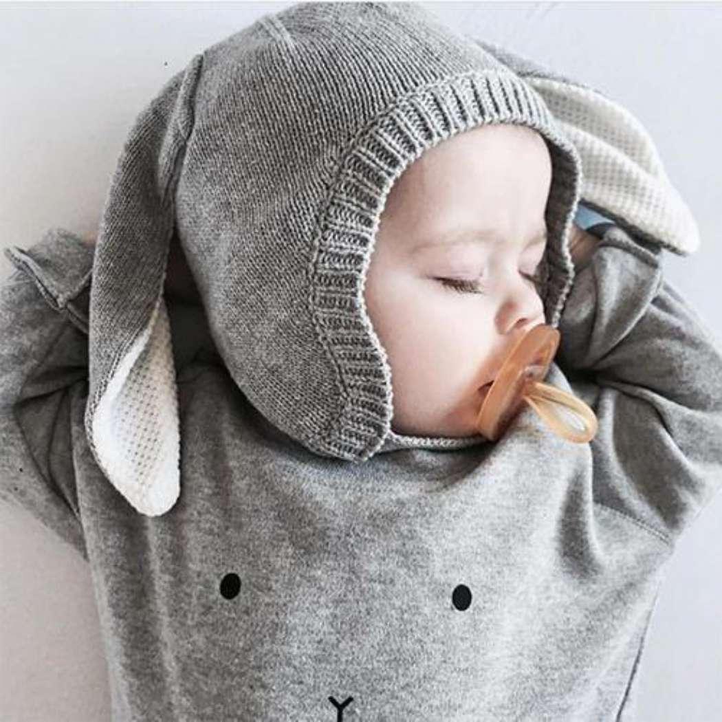 Bunny_sweater_grey